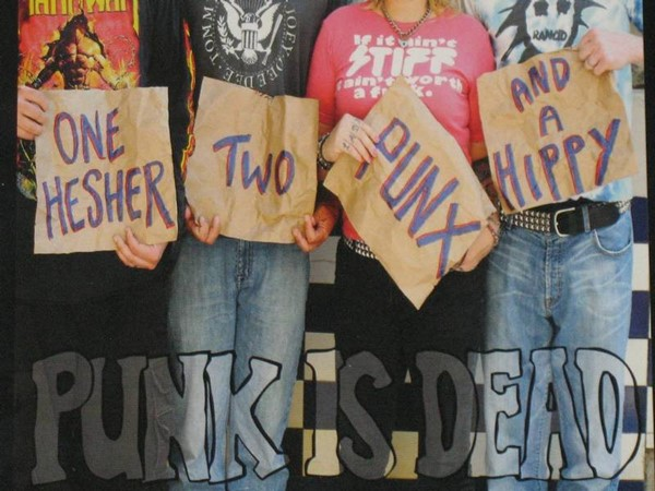 Punk Is Dead - One Hesher, Two Punx And A Hippy