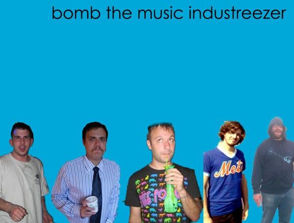 Bomb The Music Industry faz show especial com músicas do Weezer