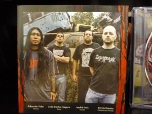 Encarte 03 - Novo album do Offal