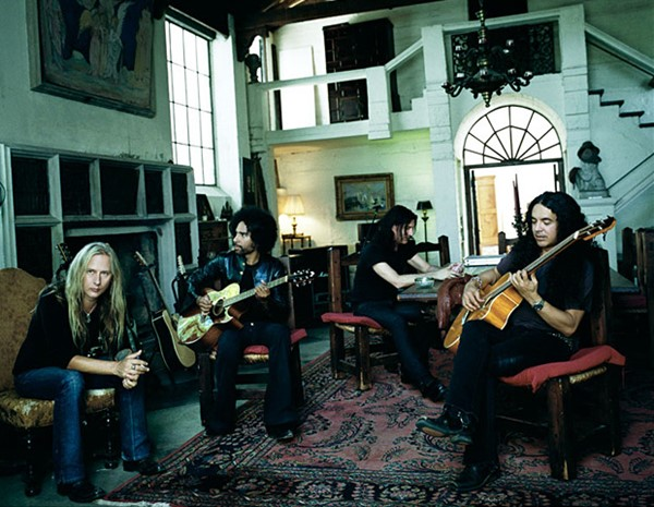assista o novo video do alice_in_chains