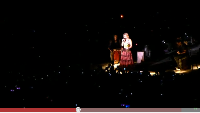 Shakira toca metallica em são paulo