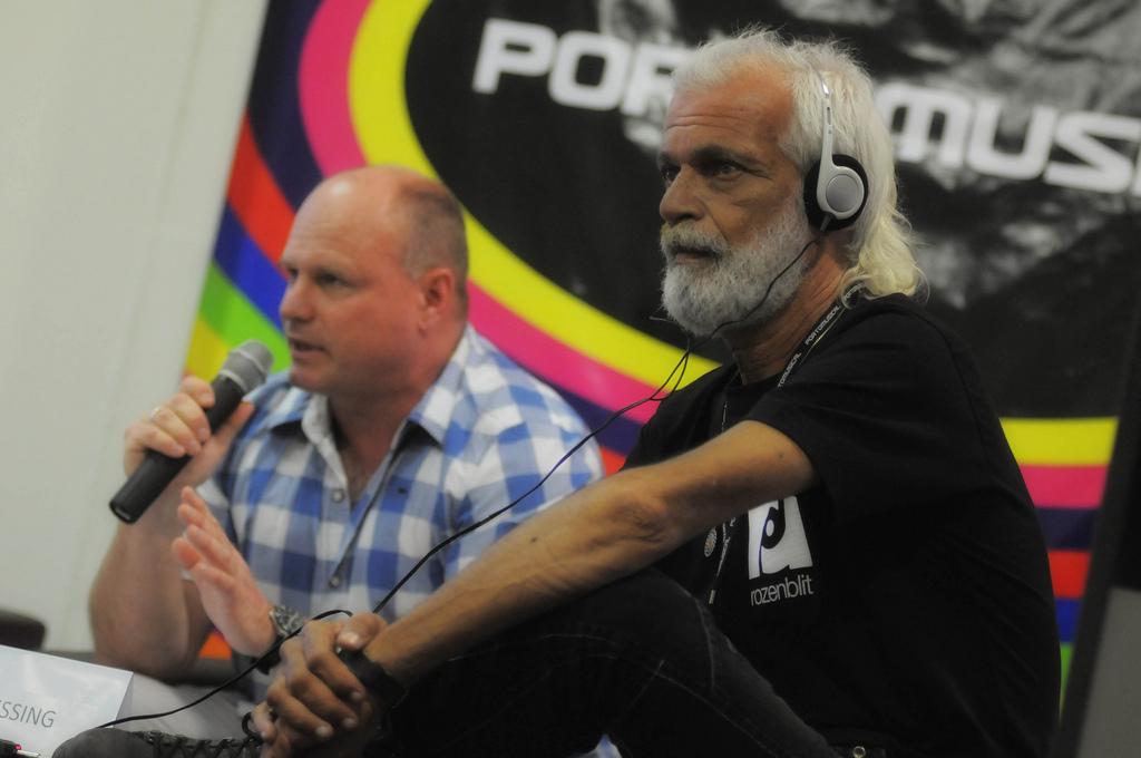 Morre o músico Lula Côrtes (em primeiro plano na foto)