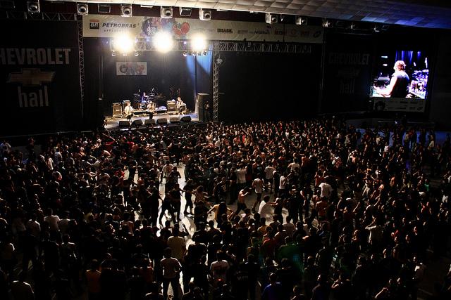5 mil pessoas na primeira noite do Abril Pro Rock 2011