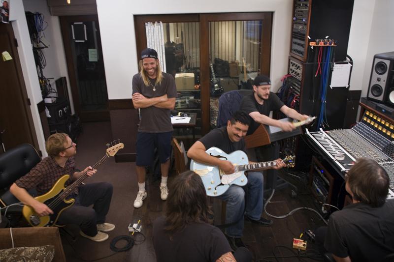Documentário do Foo Fighters será lançado em DVD e Blu-Ray