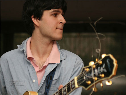 Ezra Koenig grava cover de Paul Simon