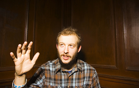 Bon Iver no programa do apresentador Jimmy Fallon