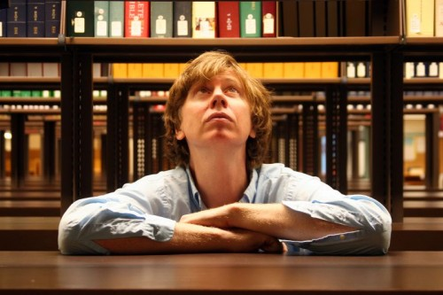 Thurston-Moore se apresenta no Jimmy Fallon