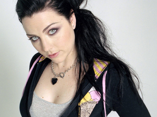 Amy Lee fala sobre novo álbum do Evanescence