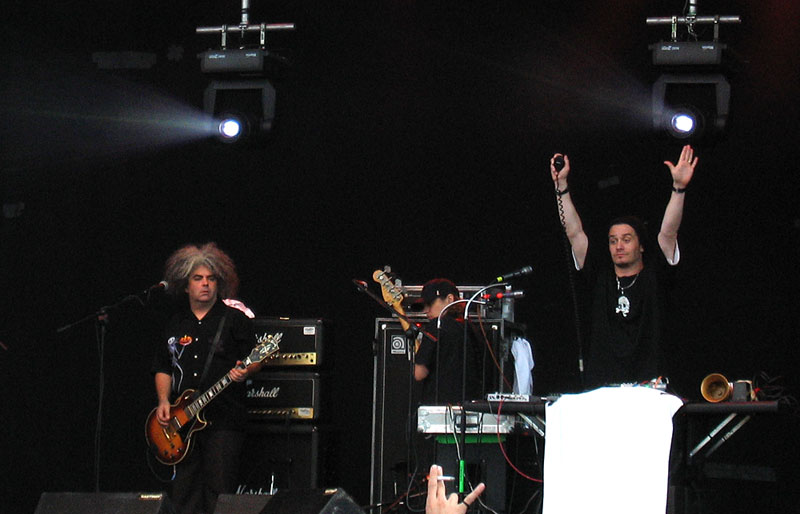 Fantômas lança DVD e disco ao vivo
