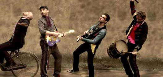 Coldplay toca Amy Winehouse