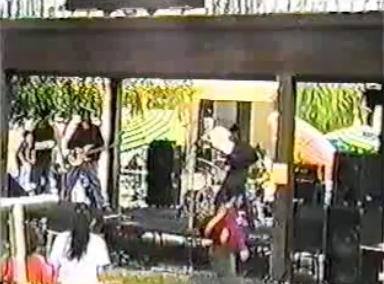 Primeiro show da história do Rage Against The Machine