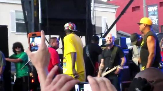 Scott Ian (Anthrax) toca com Public Enemy