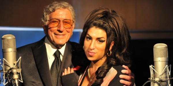 Tony Bennett homenageia Amy no VMA