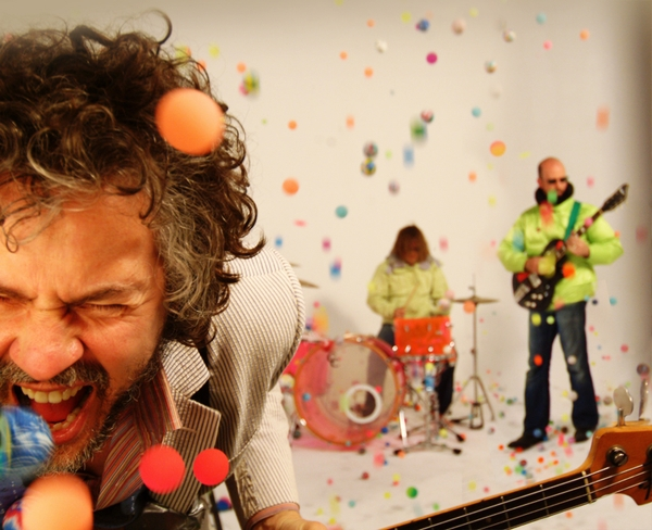 Flaming Lips lança parceria com Erykah Badu e iPhone