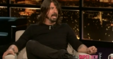 Dave Grohl no Chelsea Lately