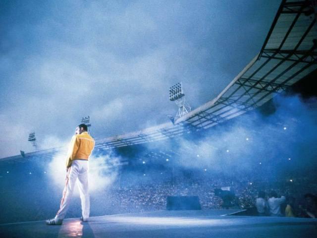 Queen lança box set e streaming de Live at Wembley Stadium