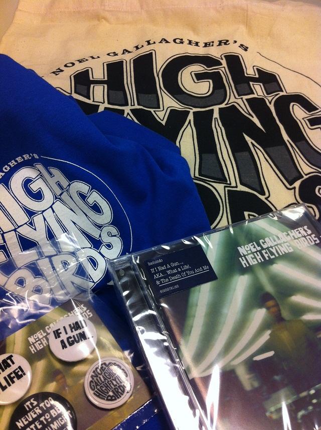 Promoção valendo kit do Noel Gallagher