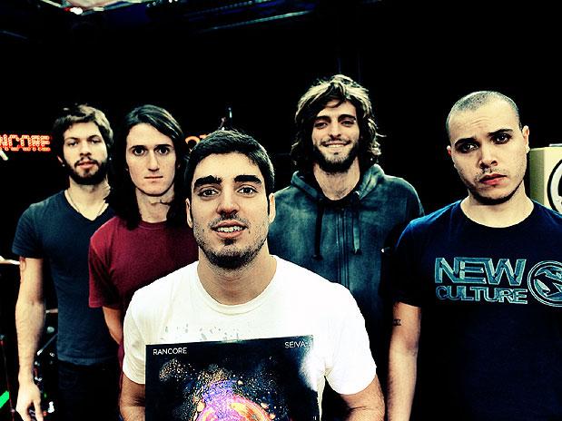 "Rancore Lança Videoclipe de ""Samba"" Em Festa no Hangar 110"