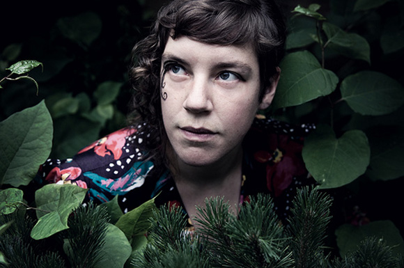 tUnE-yArDs Estreia na TV com Suporte de The Roots