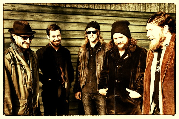 My Morning Jacket Libera Download de Música com Líder do Band of Horses