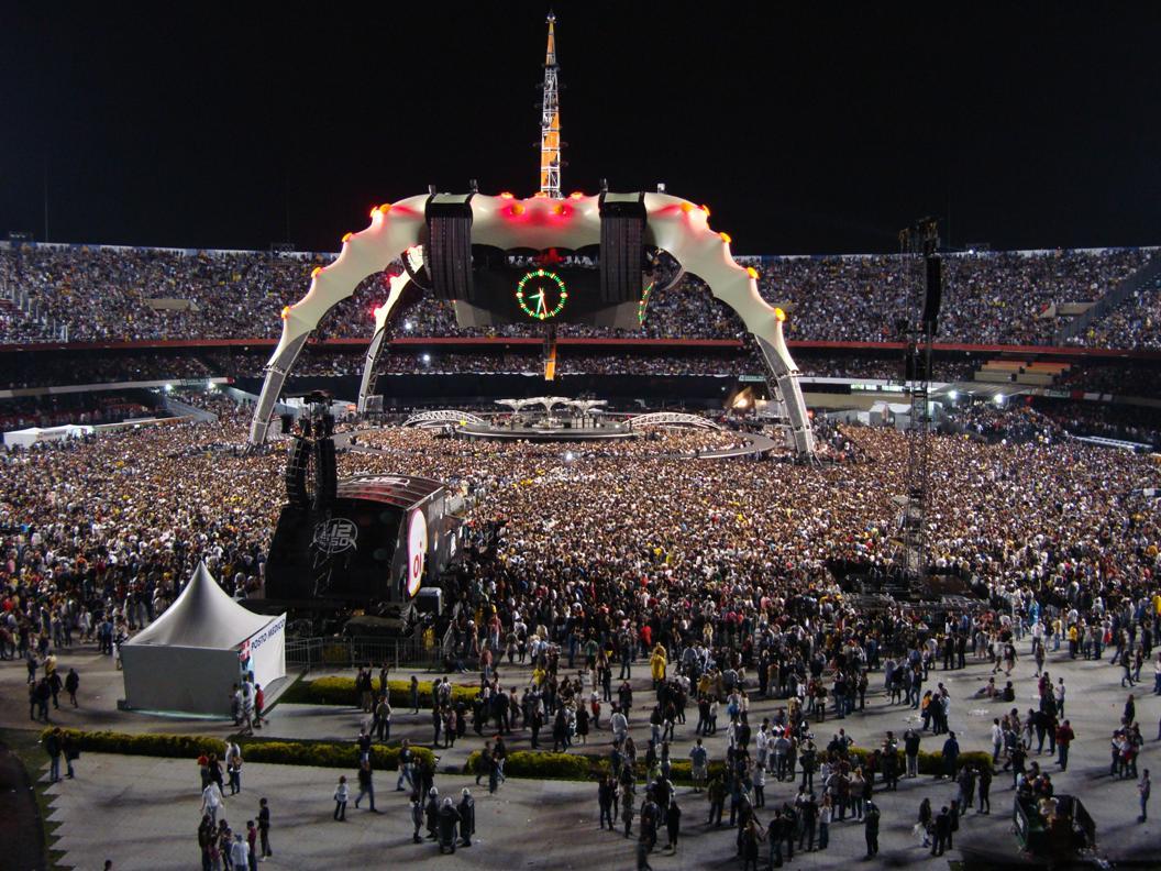U2 foi a banda que mais atraiu público no Brasil em 2011