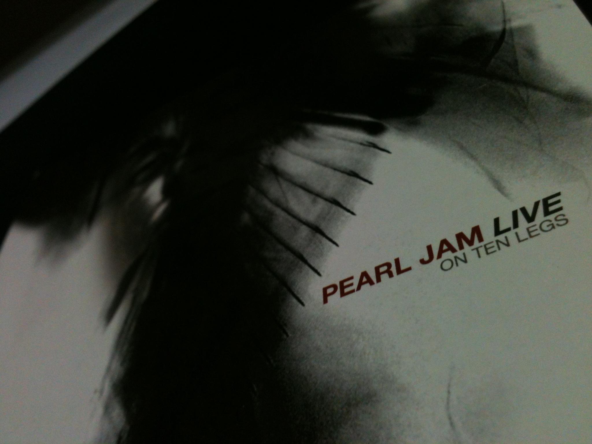 Pearl Jam Live On Ten Legs Capa