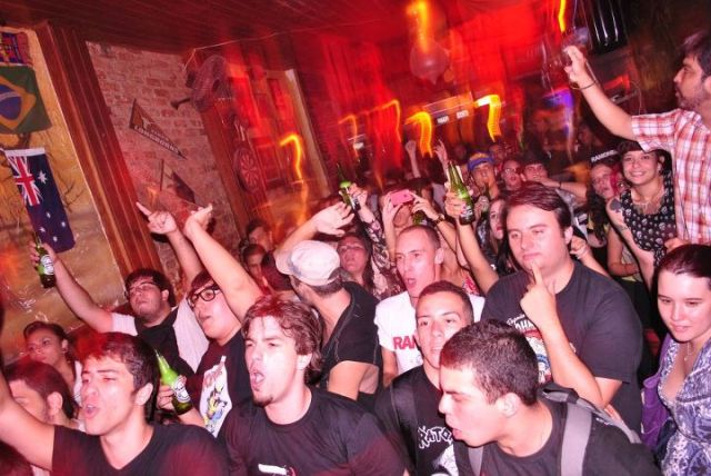 Público na Drunk Rock Party, por Raíssa Medeiros