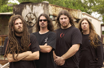 Six Feet Under de volta ao Brasil