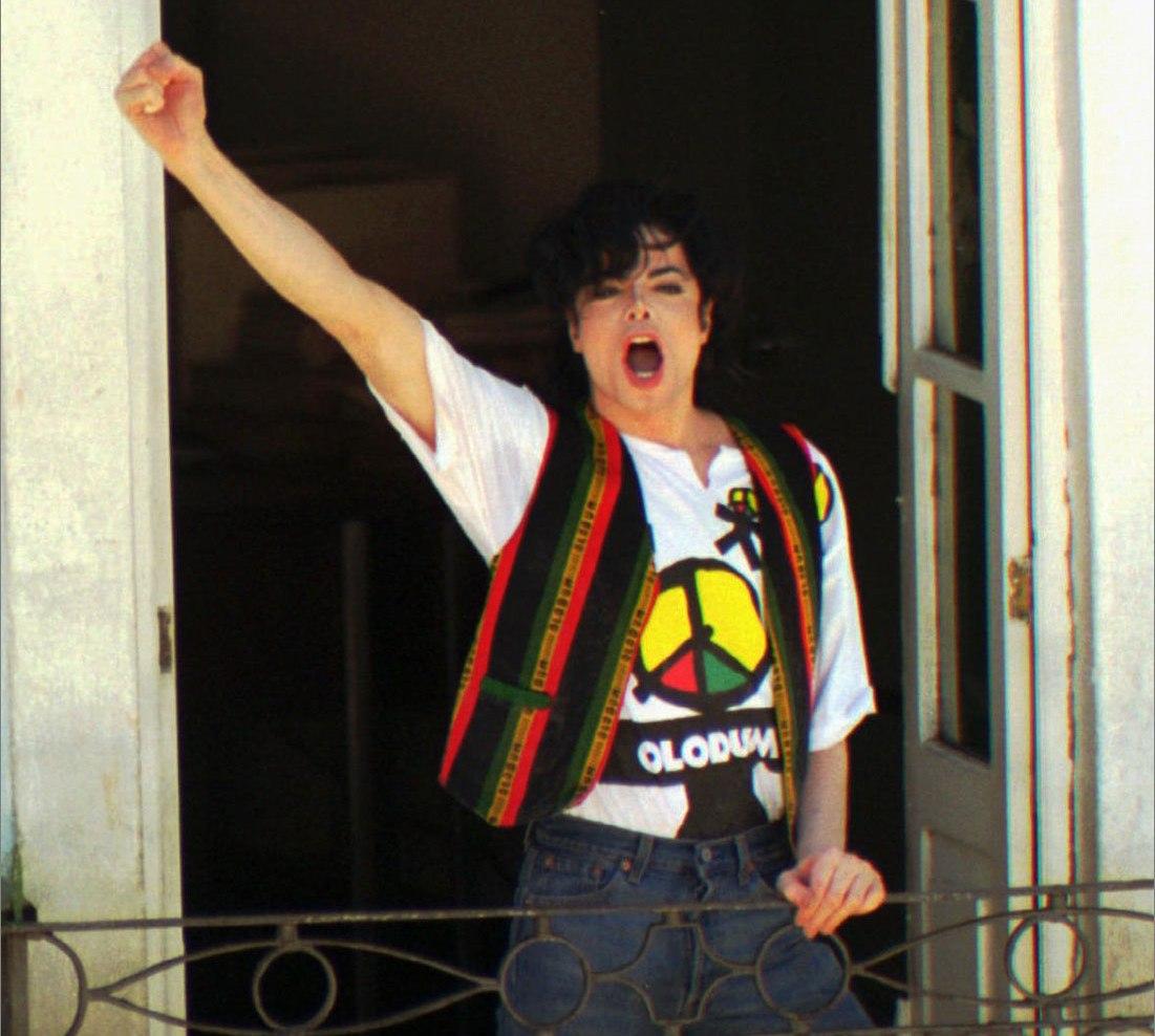 Michael Jackson grava clipe com Olodum