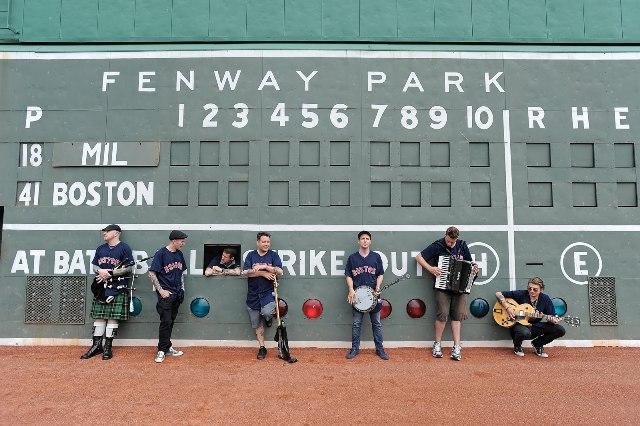 Dropkick Murphys lança camiseta para ajudar vítimas de Boston
