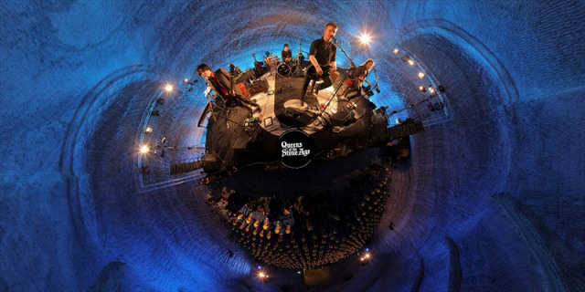 As 10 Maiores Proezas de Josh Homme - Escolhe Lugares Inusitados Para Seus Shows