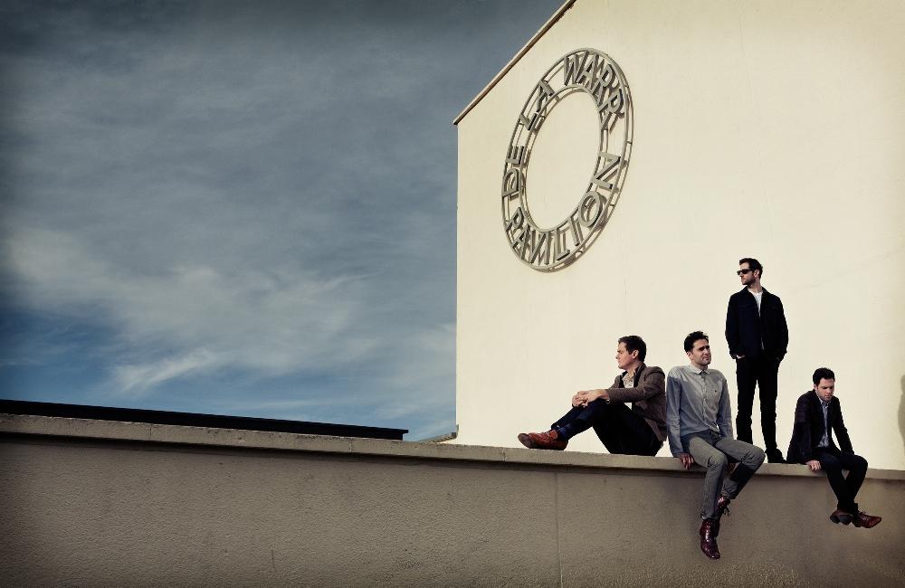 "Keane lança clipe de ""Sovereign Light Café"""