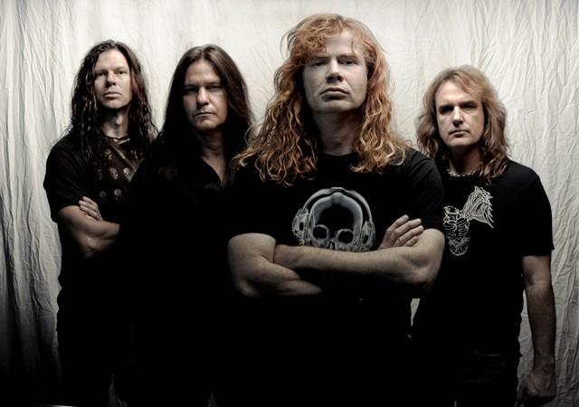 Dave Mustaine é apedrejado em festival na Croácia