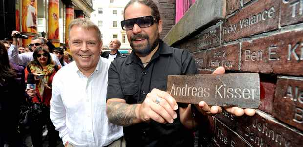 Andreas Kisser é homenageado na Beatles Week