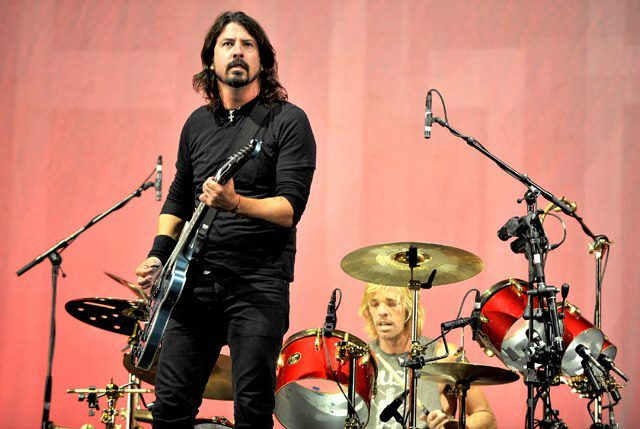 Dave Grohl desmente hiato do Foo Fighters