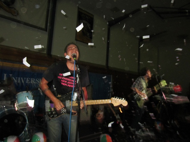 Ouça show completo do Bomb The Music Industry!