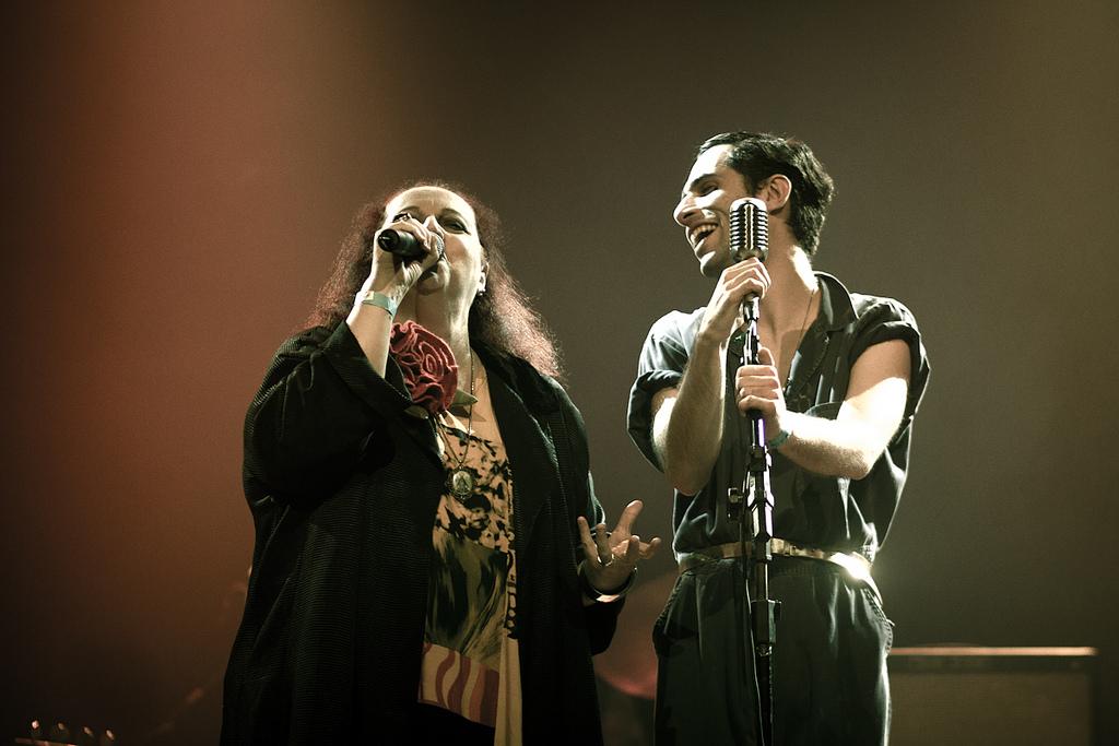 Cida Moreira e Thiago Pethit no No Ar Coquetel Molotov 2012