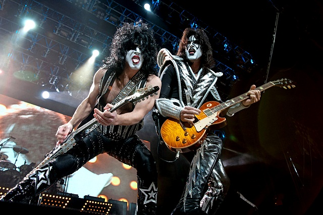 Datas dos shows de Kiss e Mötley Crüe desaparecem do site Gene Simmons