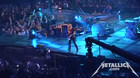 "Metallica toca ""Enter Sandman"" e ""Hit The Lights"" no Canadá"