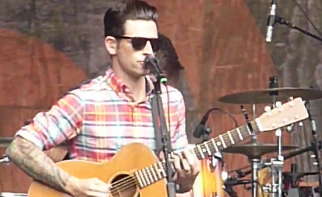 Chris Carrabba faz cover de Weezer e Further Seems Forever lança Lyric Video