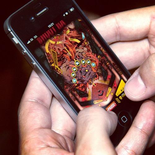Black Drawing Chalks lança jogo de pinball relacionado ao novo álbum da banda