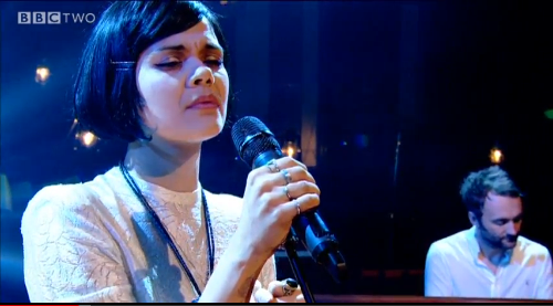 Bat For Lashes no programa de Jools Holland