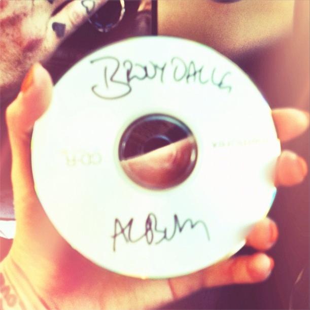 Brody Dalle finaliza as gravações de seu novo álbum