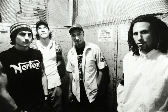 Ouça mais uma demo do Rage Against The Machine