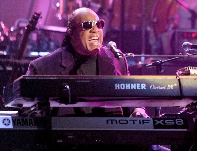 Stevie Wonder no AMA, tributo a Dick Clark
