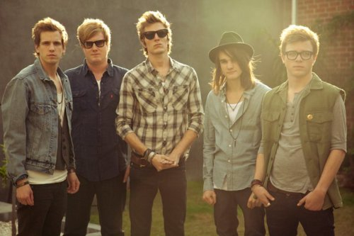 Novas músicas: The Maine e Man Or Astroman?