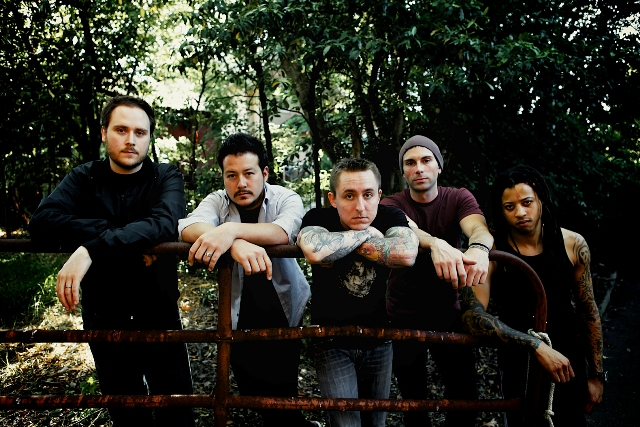 Yellowcard faz cover de Mumford & Sons