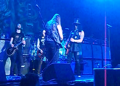 Zakk Wylde toca com Slash na Argentina