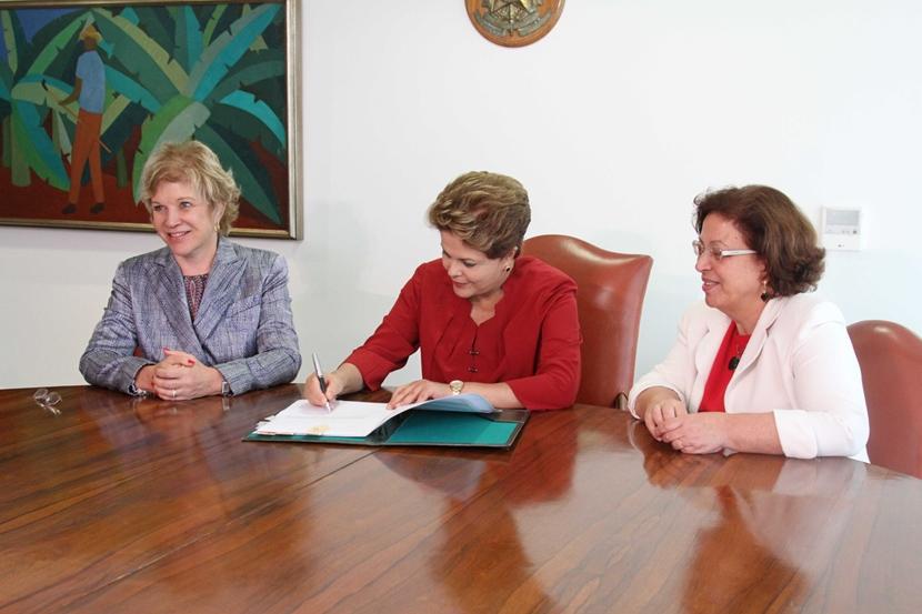 Dilma Rousseff confirma projeto de lei que cria o Vale-Cultura