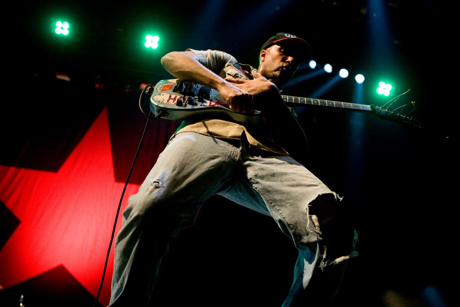 Tom Morello comemoraria os 20 anos do primeiro disco do RATM com uma turnê mundial